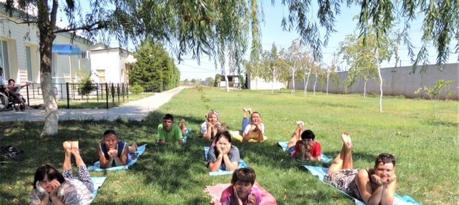Занятия по психогимнастике на свежем воздухе